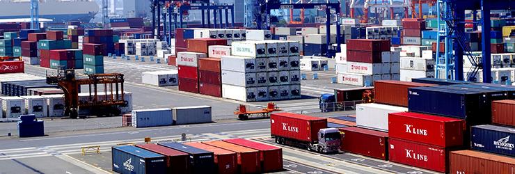 海外輸出される日本の中古車を扱う港